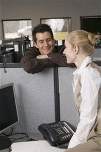 Cómo despertar el interés en un hombre si es un compañero de trabajo